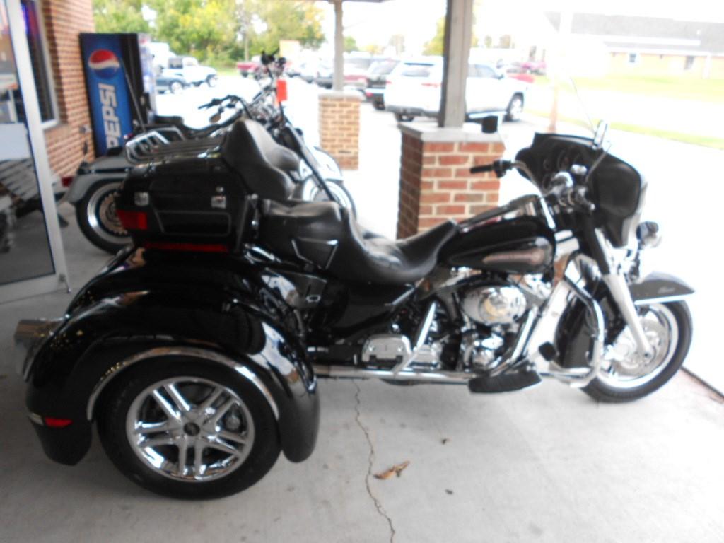 2005 Harley-Davidson® FLHTC/I Electra Glide® Classic – $19500