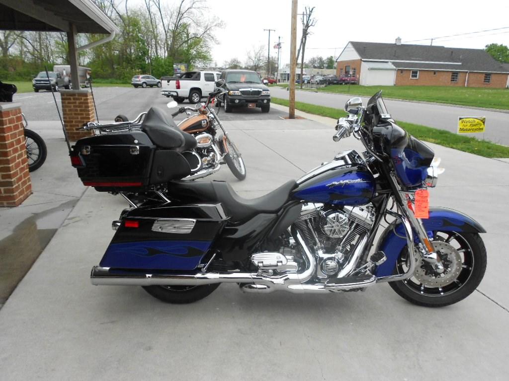 2011 Harley-Davidson® FLHTCUSE6 CVO™ Ultra Classic Electra Glide® – $24900