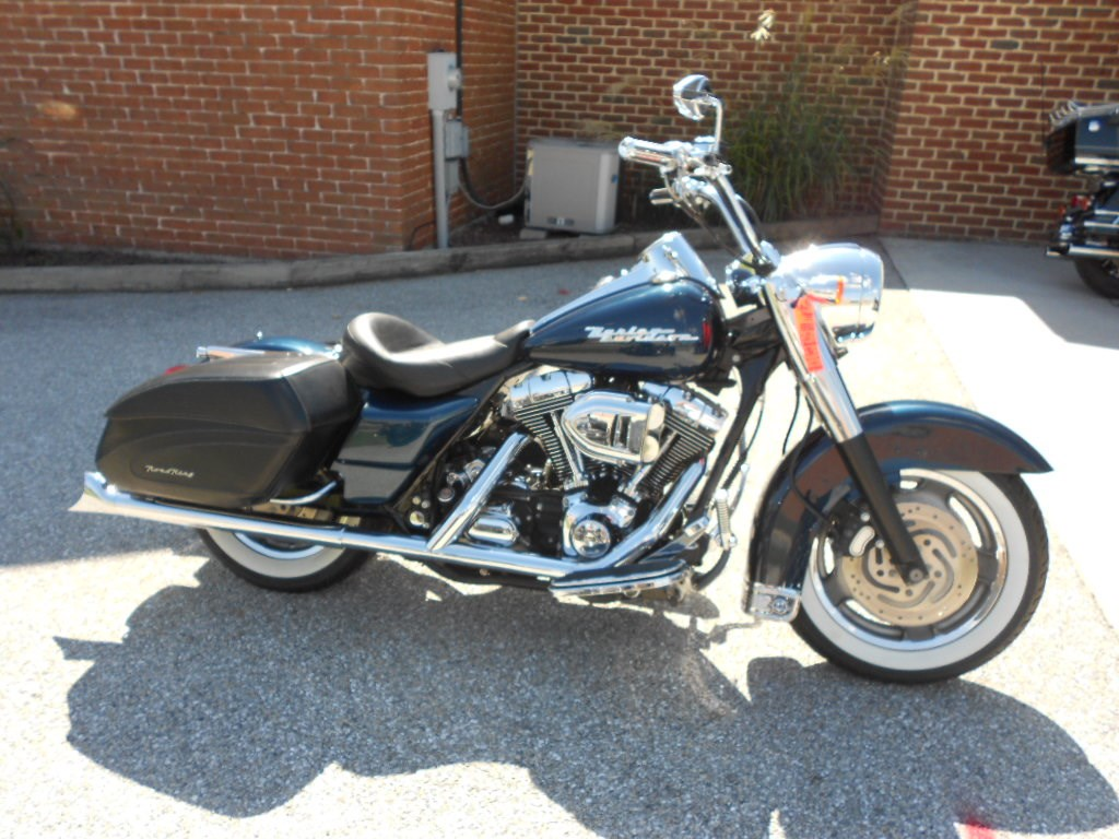 2004 Harley-Davidson® FLHRS/I Road King® Custom – $8900