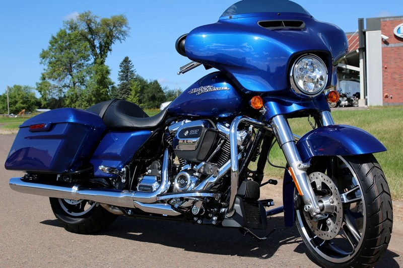 2017 Harley Davidson® FLH SE CVO™ Limited  Black Gar      Electric as well 2017 Harley Davidson Road Glide Ultra as well 2017 Harley Davidson Road Glide Special also 2017 Harley CVO Street Glide moreover 2017 Harley Davidson CVO Limited. on milwaukee 2017 eight new harley engine