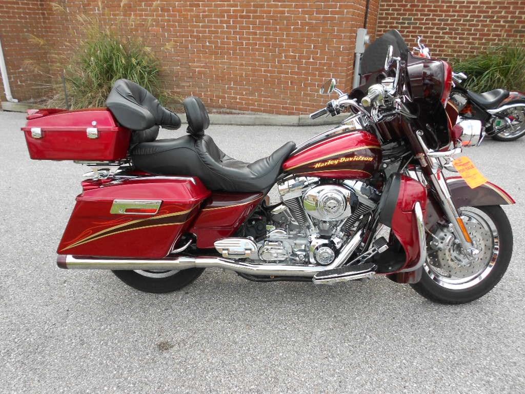 2005 Harley-Davidson® FLHTCSE2 Screamin
