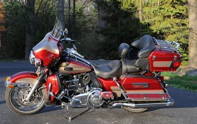 Photo of a 2009 Harley-Davidson® FLHTCU Ultra Classic® Electra Glide®