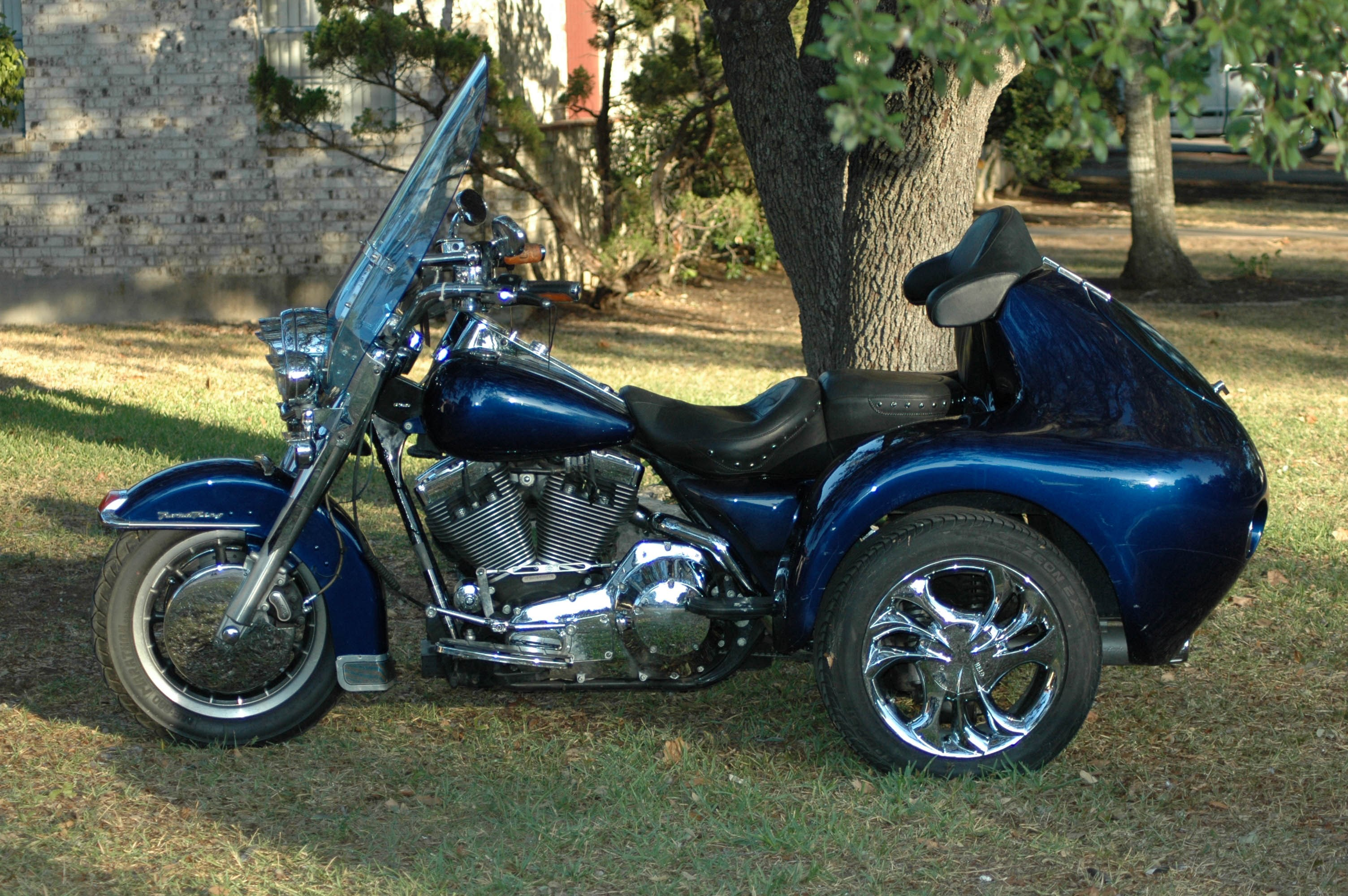 all new used harley davidson trikes 704 bikes page 1. Black Bedroom Furniture Sets. Home Design Ideas