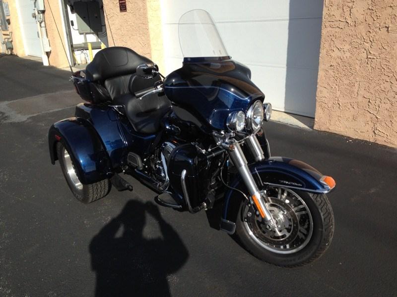 2012 Harley-Davidson® FLHTCUTG Tri Glide