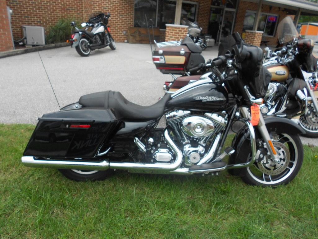 2013 Harley-Davidson® FLHX Street Glide® – $17500