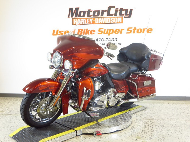 2010 Harley Davidson Flhtcuse5 Cvo Ultra Classic