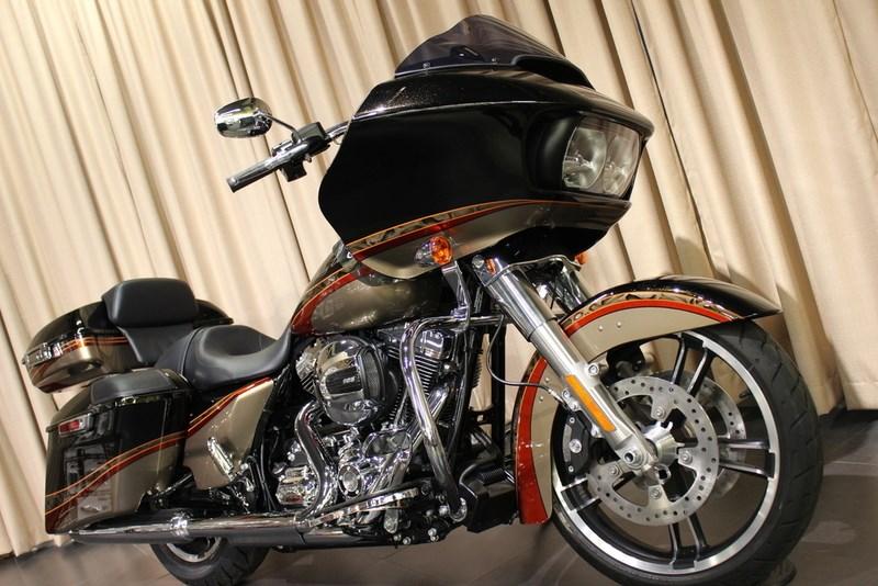 2016 Harley DavidsonR FLTRXS Road GlideR Special