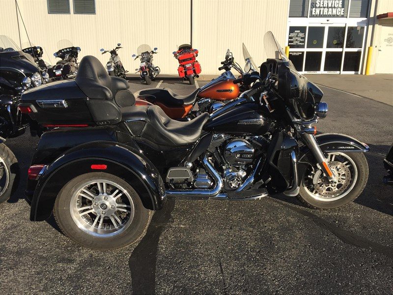 2015 2016 Harley Davidson Tri Glide Ultra: 2015 Harley-Davidson® FLHTCUTG Tri Glide® Ultra, Olathe